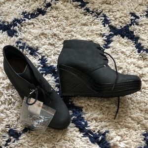 New Dr. Scholl's booties size 6.5